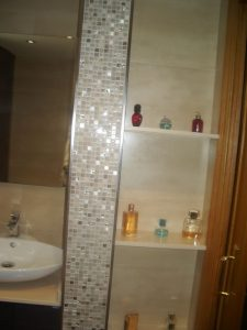 Baño mosaico cristal reformas montoya